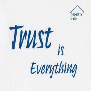 teaser-T-Shirt_Trust_is_everyting_2J7A6269